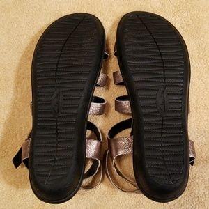 f29918c3daef Clarks Shoes - Clarks Manilla Parham Gladiator Sandals in 7M
